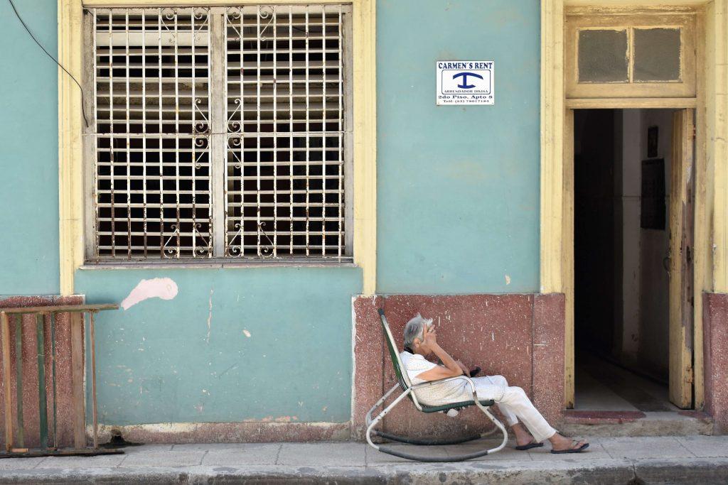 Travel Cuba on the cheap